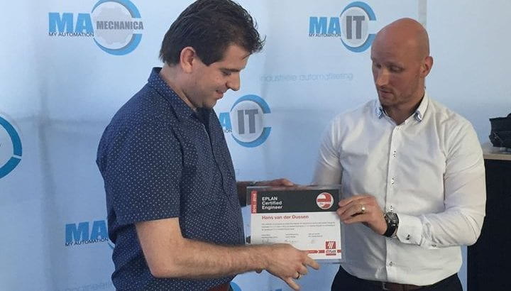 Hans van der Dussen ontvangt EPLAN certificaat